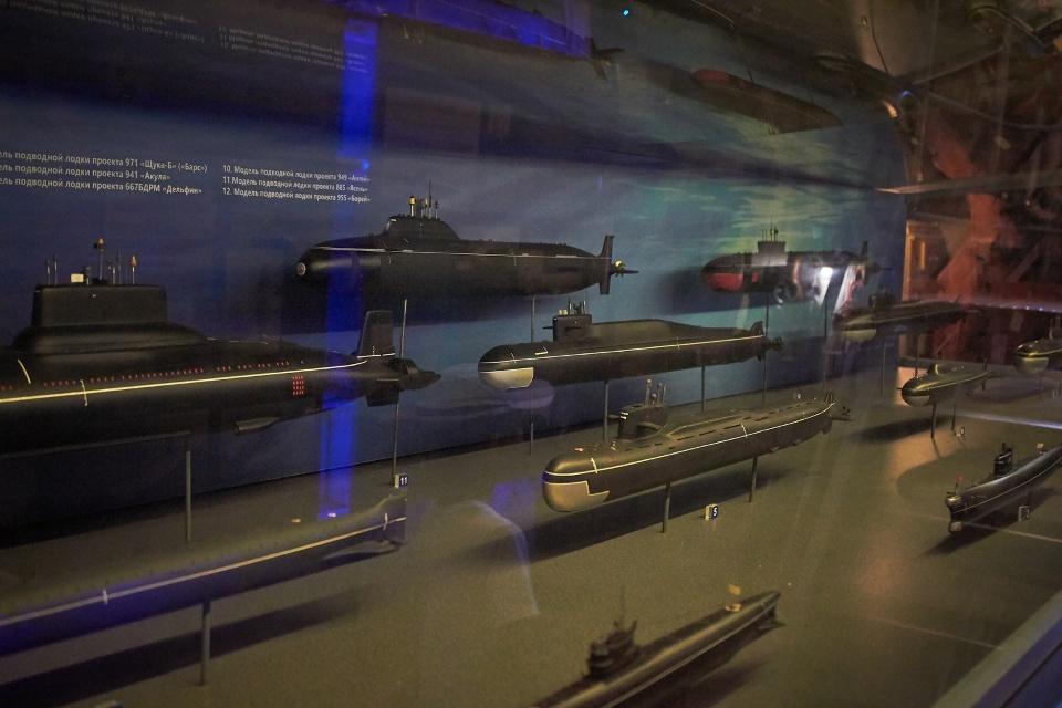 Подводные лодки внутри подводной лодки - часть экспозиции на Б-413