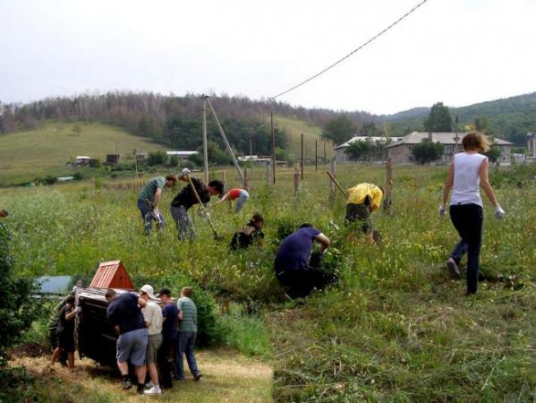 Волонтерская акция на территории рекреационного участка «Молодецкий курган»