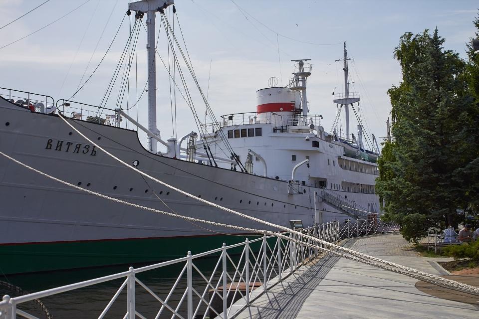 Самое крупное в мире научно-исследовательское судно «Витязь»